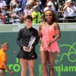 Carla-Serena con trofeos Miami 2015 07 - copia