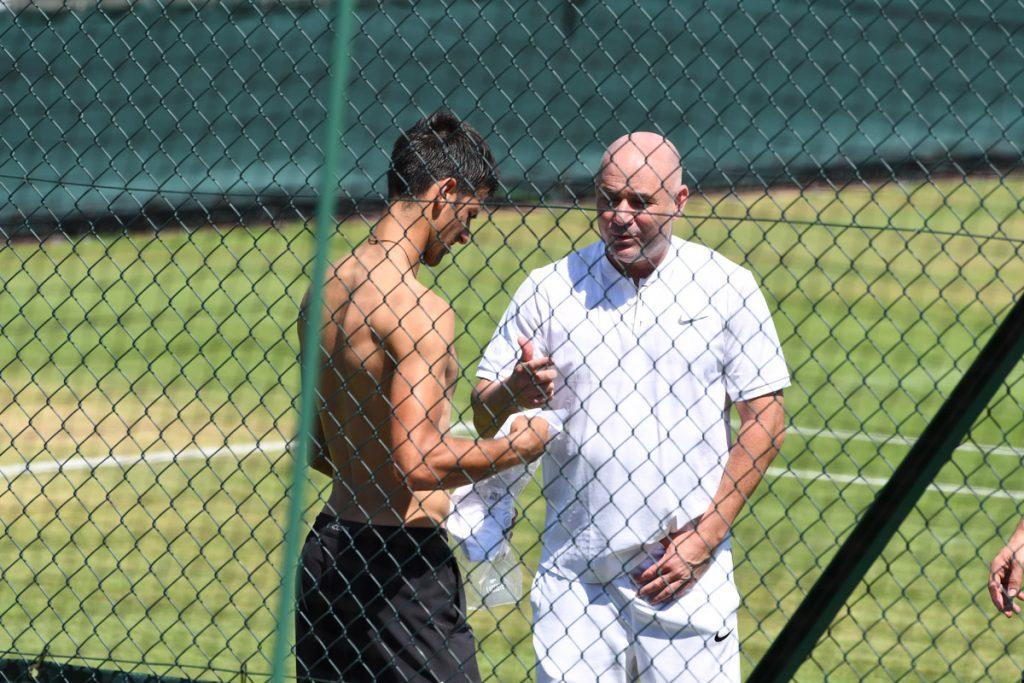 Djokovic-Agassi W 2017 01