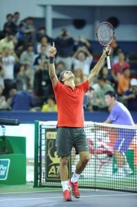 Foto Roger Federer celebrando triunfo sobre Gilles Simon