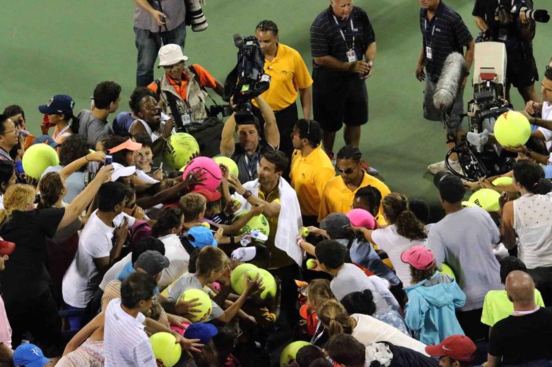 Robredo autografos US Open 2013 01 b