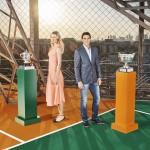 Sharapova y Nadal posando trofeos 2014 02