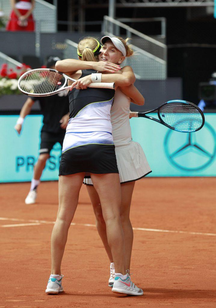 Vesnina-Makarova campeonas dobles MMO 2018 03