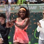 Serena Williams con su trofeo