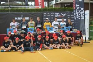 finalistas y recogepelotas Rafa Nadal Tour
