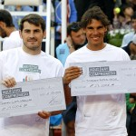 Charity Day Mutua Madrid Open. . Nadal y Casillas con los cheques para sus fundaciones