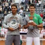 Nadal-Djokovic con sus trofeos en Roma 2014